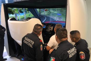 Simulador de coche de policía