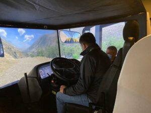 Prácticas con simulador de alto nivel de conducción de camiones y buses en CEFEC Chile con Turbus